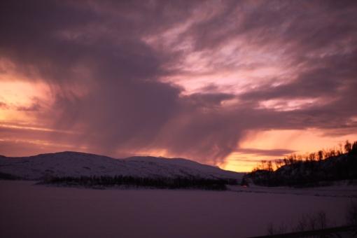 solnedgång på blå vägen